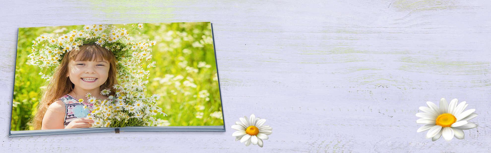 ילדה על רקע פרחים Plana Album's